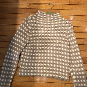 Anthropologie sweater size small